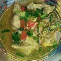 Sop Ceker Kuah Kuning