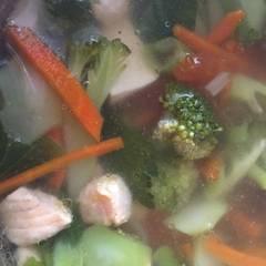 Foto Recook dari Sup Salmon Menggugah Selera