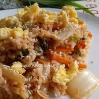 Kimchi Bokkeumbap ( Nasi Goreng Kimchi )
