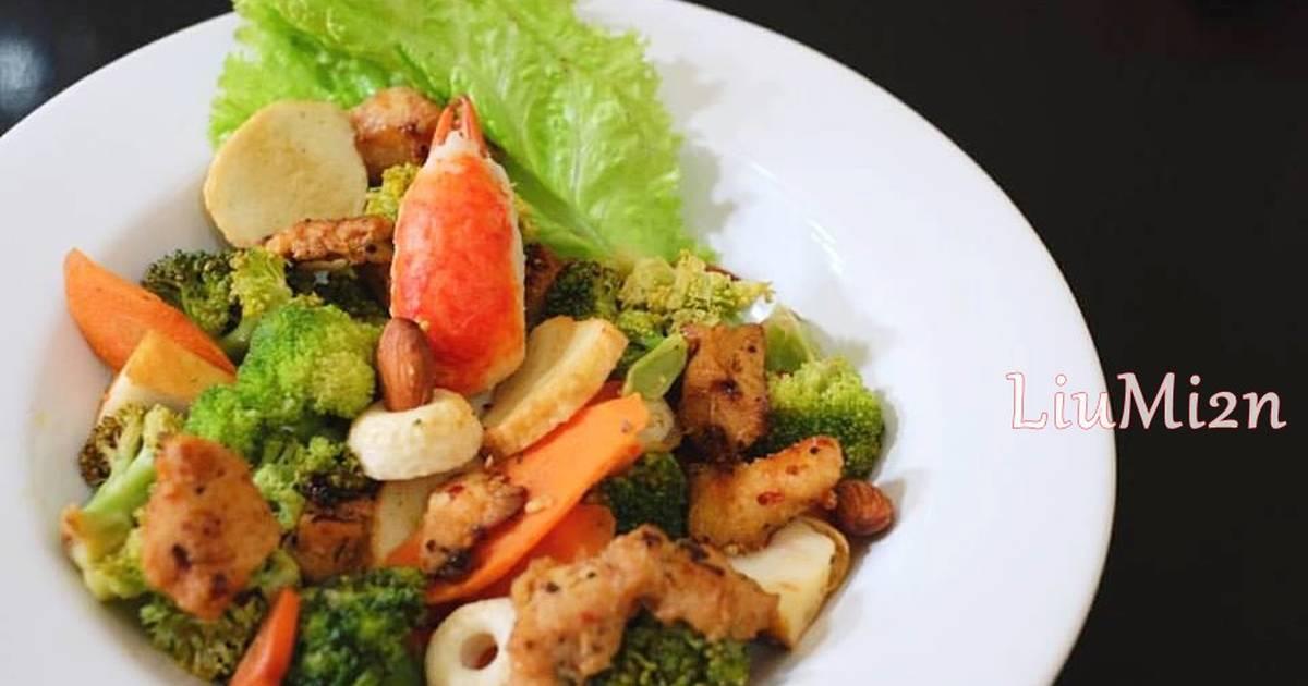 Keto Bites: Roasted Broccoli Florets
