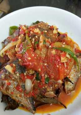 Ikan tongkol sambal tomat