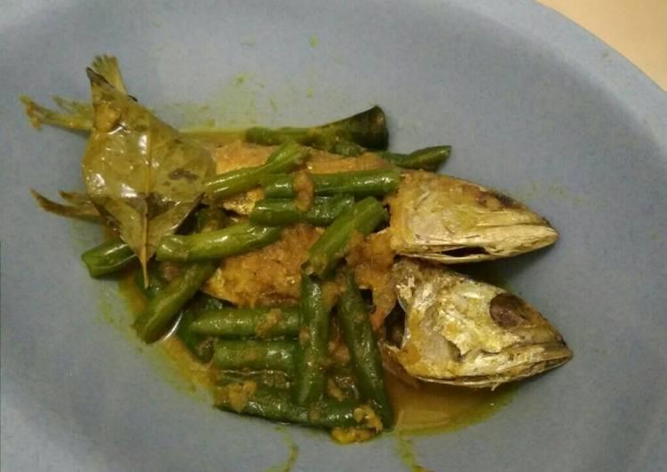 Ikan kembung buncis bumbu kuning