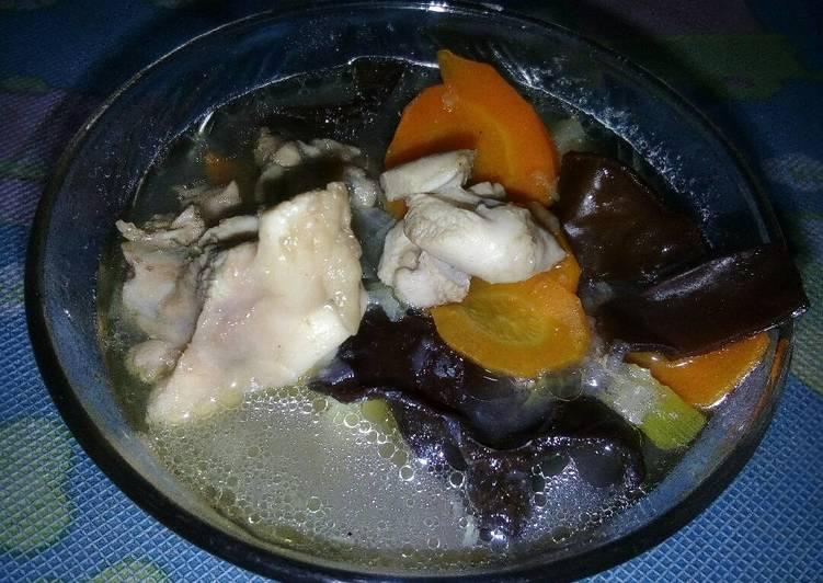 resep makanan Sup ayam jamur kuping