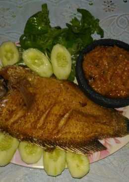 Gurami goreng sambal belimbing wuluh
