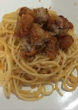Spaghetti telur asin with karage