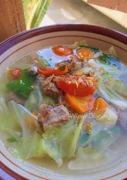 Sayur sop daging sapi simple dan mantap