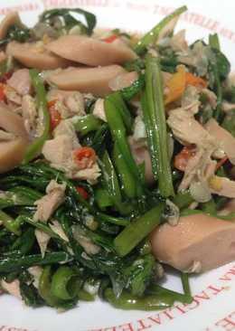 Tumis kangkung ikan tuna sosis ayam ala anak kost