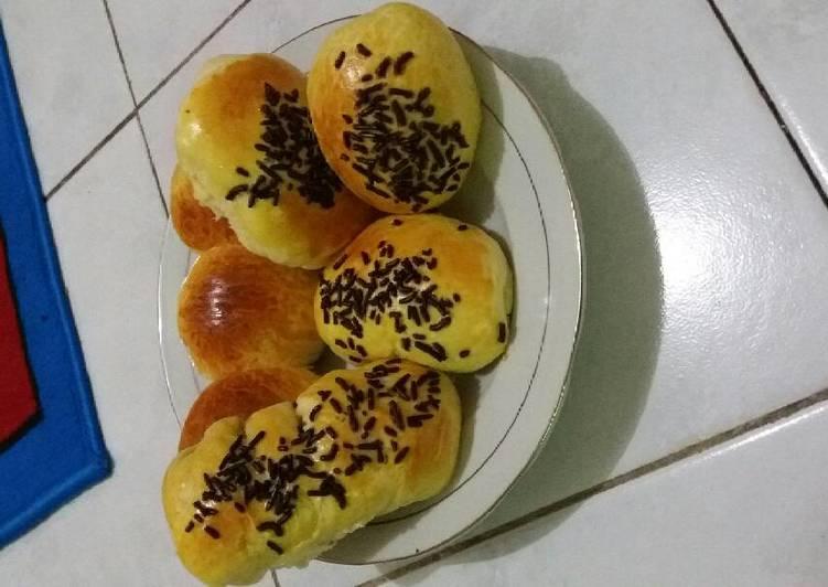 Resep Roti isi pisang Dari Nurul Faridah