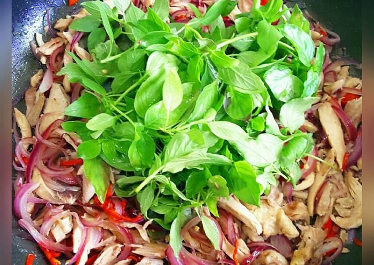 Resep Daging Ayam Oseng Bawang Bombay Ungu Dan Kemangi - Prasasty Hatiku