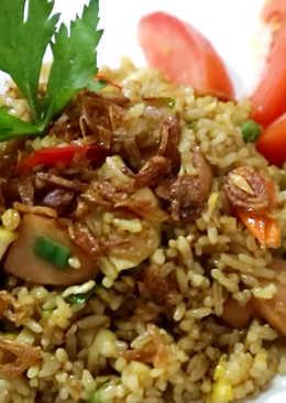 Nasi Goreng Spesial Sosis, Ayam, Telur