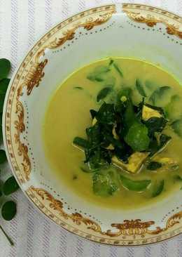 Sayur daun kelor masak santan
