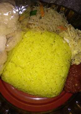 Nasi kuning sehat keluarga