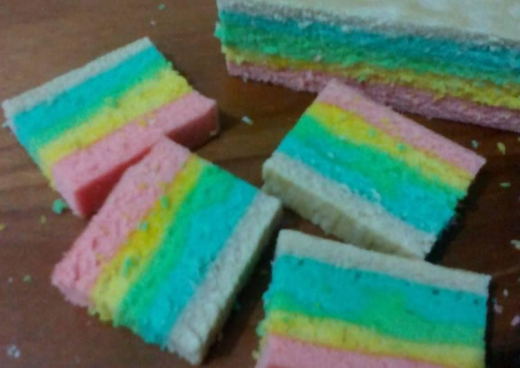 Resep Rainbow Cake Kukus Istimewa: Resep Rainbow Cake Kukus Oleh Diyah Kuntari