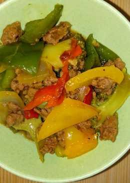 Tumis daging cincang paprika