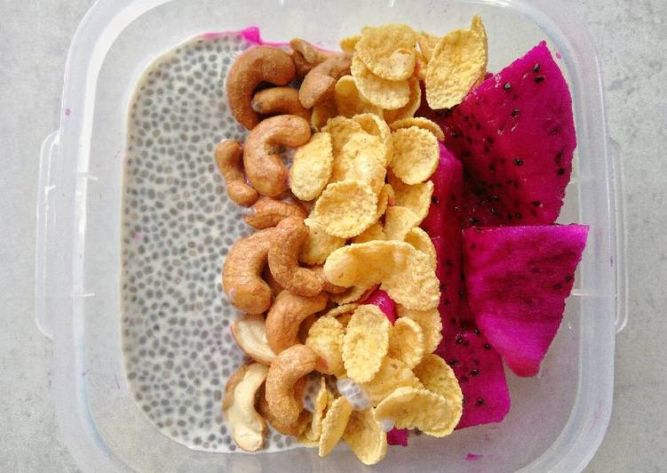 Diet breakfast with chia seed