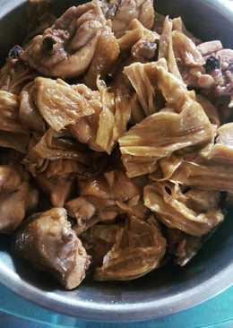 Gainyiuk chao Fucuk (Ayam masak kembang tahu)