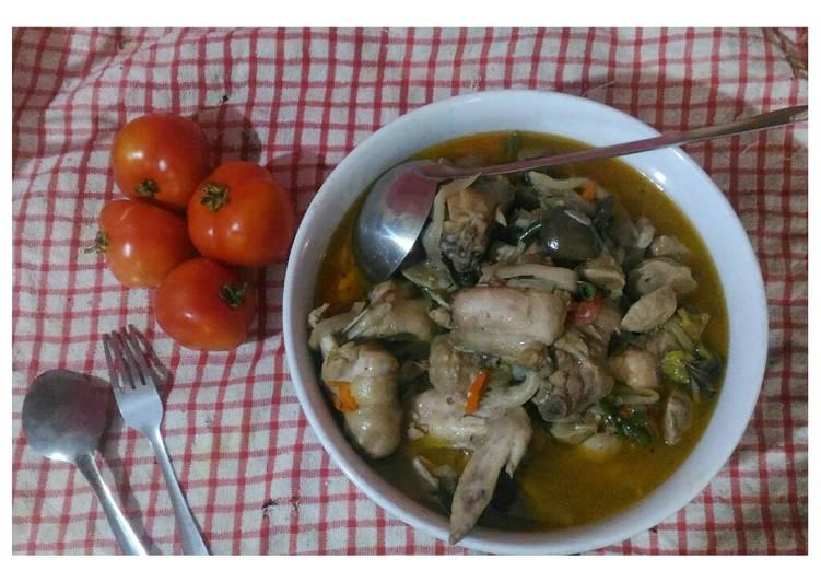 Sup ayam jamur tomat