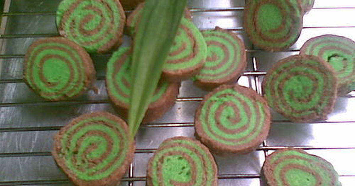 Resep Kukis Roll Coklat Pandan