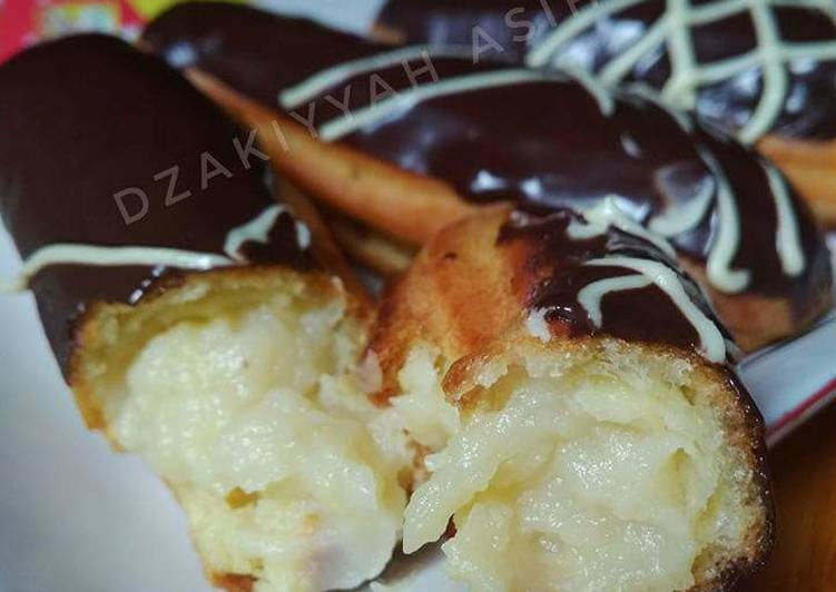 Durian eclairs