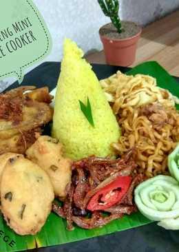 Nasi Kuning Rice Cooker a. k. a (Tumpeng Mini)