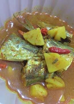 Ikan kembung kuah kuning dengan nanas