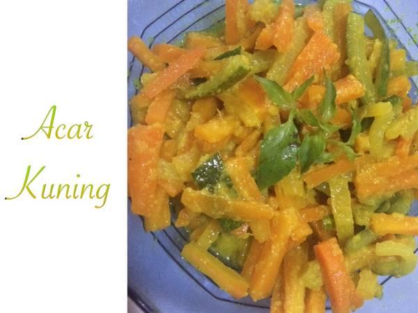 Acar kuning (wortel & timun)