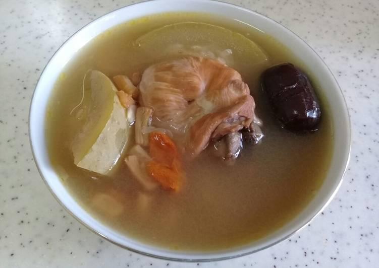 Sup china chi kwa/ baligo dan kerang kering