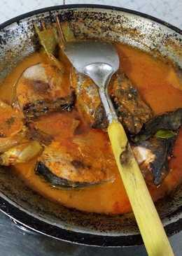 Ikan tongkol segar kuah merah