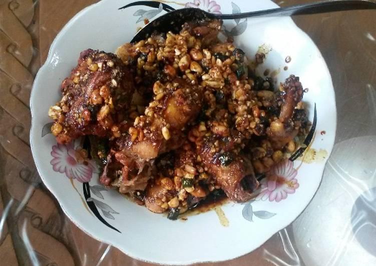 Ayam Kecap Kacang Khas Palembang