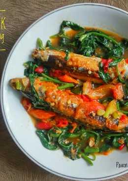 Ikan Besek Tumis Kangkung