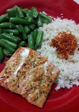 Broiled Salmon Lemon Pepper with Cauliflower Rice and Green Beans (low carb and keto friendly)