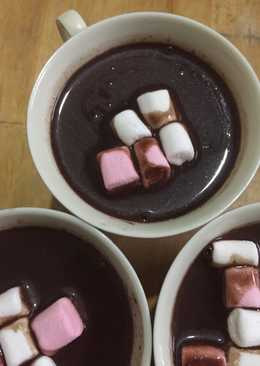 Hot chocolate w/ marshmallow