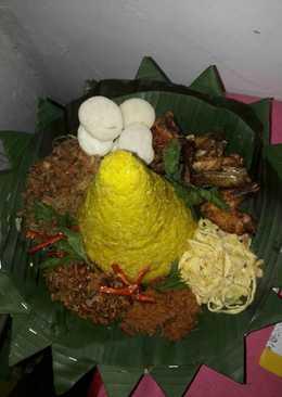 Tumpeng nasi kuning magic com