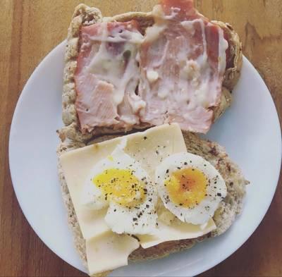 Roti dua sisi untuk sarapan