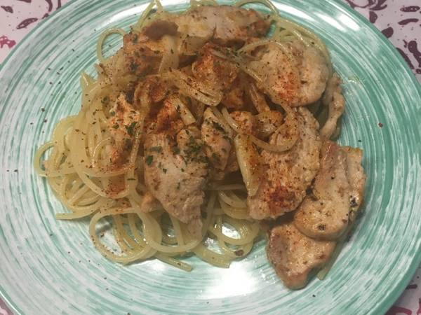 Spaghetti oglio olio (With chicken breast)