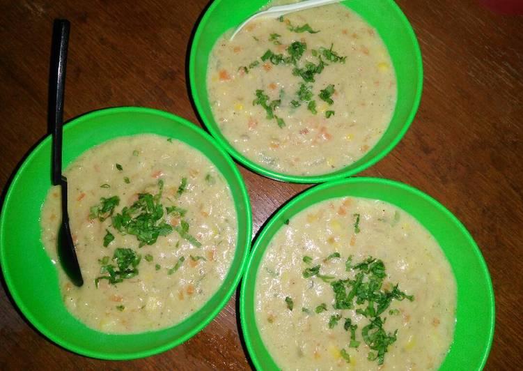 Resep Cream soup Ayam jagung Dari Safta Hestiana