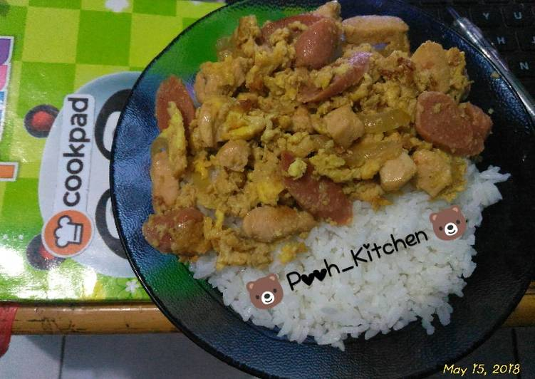 2. 🐻 Rice bowl chicken and egg with sausage 🐻