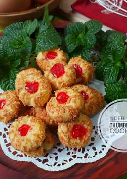 471. Strawberry Thumbprint Cookies #KamisManis