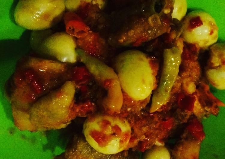 Ayam &Telur Puyuh bumbu Bali Pedas