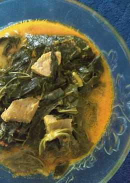 Gulai daun singkong dan daging