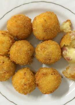 Mozzarella Smoke Beef Potato Balls with Broccoli and Carot