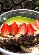 Fruits oatmeal bowl tiramisu