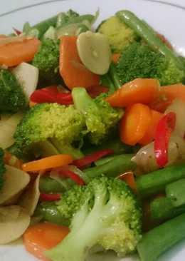 Resep Masakan dan Cara Membuat Tumis/Cah Brokoli Wortel Sosis yang Enak, Sederhana dan Praktis