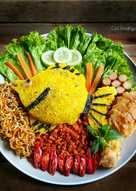 Nasi Kuning Bentuk Ikan
