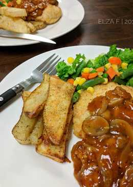 Crispy Chicken Steak with Mushrooms Sauce