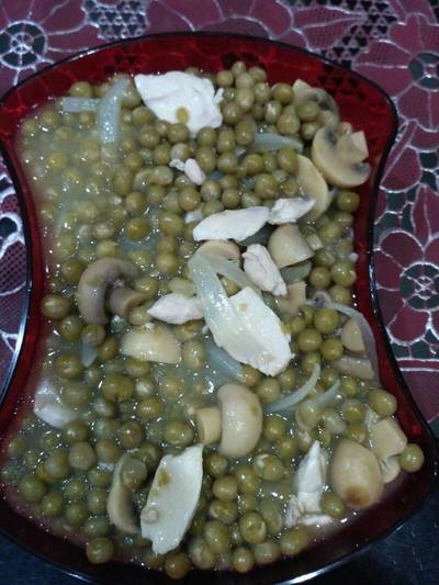 Tumis kacang polong dan jamur kaleng