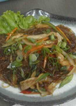 Japchae (sweet potato noodles with sauteed beef and vegetables)