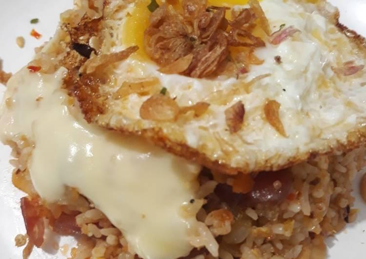 Cakalang fried rice with mozarella
