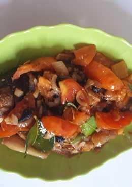 Ikan mas sambal tomat (masakan rumah sederhana)