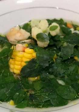 Sayur bening daun kelor